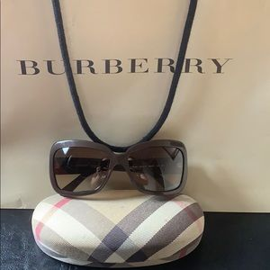 Authentic Burberry - Brown Sunglasses